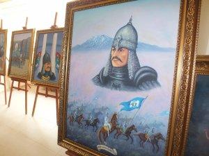 Ressam Yaman'ın eserleri Malazgirt'te yaşatılacak