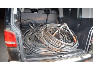 2 bin 400 metre kablo çalan şüpheliler tutuklandı