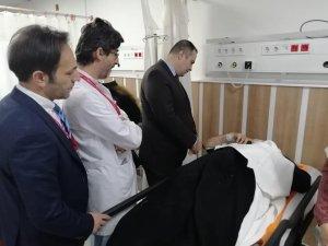 Sağlık Müdürü Hirik otobüs kazasında yaralananları hastanede ziyaret etti