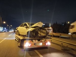 Kaza yapan araç taklalar atarak ana yola uçtu: 3 yaralı