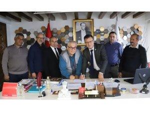Alaşehir Belediyesi 'Yaşlı Bakım ve Rehabilitasyon' için kolları sıvadı