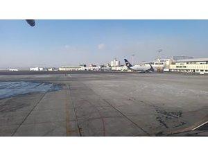 """MSB: """"Wuhan/Çin'den Türk ve dost ülke vatandaşlarını alan uçağımız yakıt ikmali için Moğolistan'ın başkenti Ulanbatur'a indi."""""""