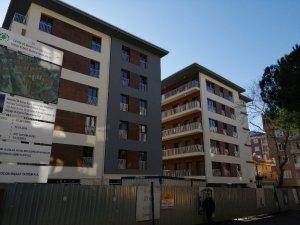 Kartal'da yıkılan binaların yerine yapılan binaların sakinleri anahtarlarını teslim aldı