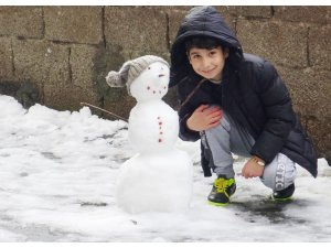 Silvan'da 25 köy yolu kardan ulaşıma kapandı