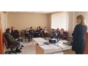 TÜGVA Eskişehir'den 'vitaminler seni çağırıyor' semineri