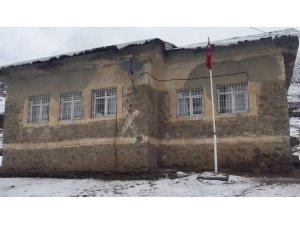 Siirt'te öğrencilere şiddet uyguladığı öne sürülen öğretmen ihraç edildi