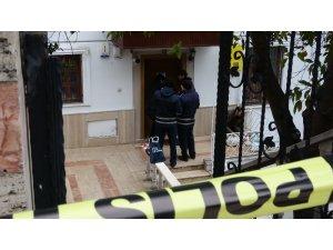 Heyelan sonrası 3 evin kapısı mühürlelendi