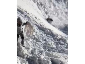 Bingöl'de çığ düştü, çocuklar son anda kurtuldu