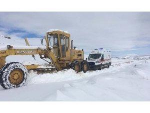 Mazıdağı'nda kar nedeni ile kapanan yollar ulaşıma açıldı