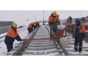 Zorlu kış şartlarına rağmen YHT çalışmaları hızla sürüyor