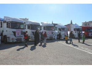 Adıyaman'dan Suriye'ye 13 tırlık yardım malzemesi gönderildi