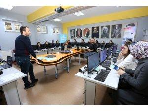 Kocaeli'de vatandaşlar 'robotik kodlama'yı öğrenecek