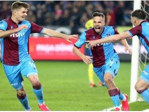 Filip Novak, Fenerbahçe'yi boş geçmiyor
