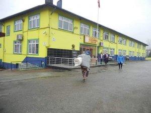 Perşembeli öğrenciler deprem bölgesi için seferber oldu