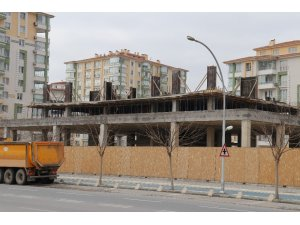 Malatya'da inşaatlara beton dökümü durduruldu
