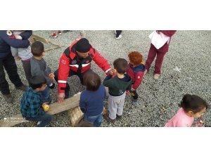 Samsun itfaiyesi Elazığ'da depremden etkilenen çocuklar ile yakından ilgilendi