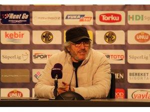 """Mustafa Reşit Akçay: """"Asla teslim olmamalıyız"""""""