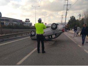 İzmir'de asker uğurlamasından dönen araç takla attı: 1 ölü, 4 yaralı