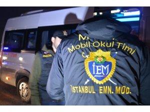 İstanbul Emniyet Müdürlüğü okul önlerinde uygulama gerçekleştirdi