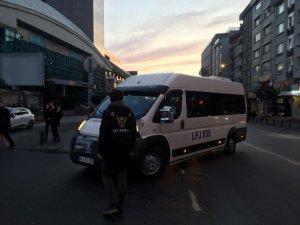 İstanbul'da polisten okul çevrelerinde uygulama