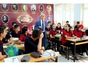 Erzincan'da 40 bin 915 öğrenci için ders zili çaldı