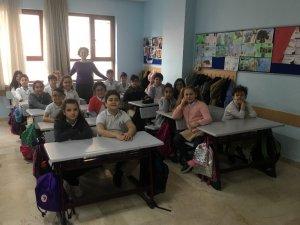 Yarıyıl tatilinin ardından milyonlarca öğrenci ders başı yaptı