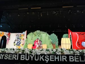 Büyükşehir'in tiyatrosuna 3 bin ziyaretçi