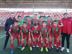 1308 Osmaneli Belediye Spor U16 futbol takımı 7'de 7 yaptı