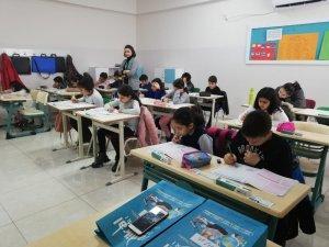 Diyarbakır Radikal Okulları bursluluk sınavına büyük ilgi