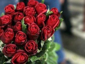 Gül fiyatına Sevgililer Günü zammı: Dalı 5 liradan 12 liraya çıktı