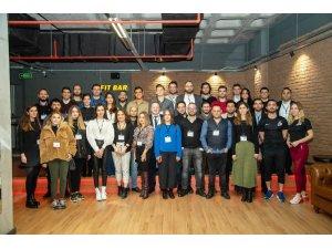 İzmir Ekonomi mezunları için özel yazılım