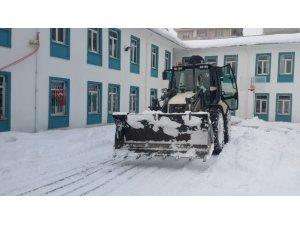 Van Büyükşehir Belediyesi okulları eğitime hazırlıyor