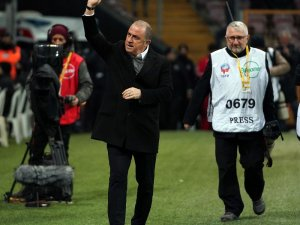 Süper Lig: Galatasaray: 1 - Yeni Malatyaspor: 0 (İlk yarı)