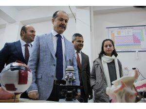 Yunus Emre Enstitüsü'nden Diyarbakır'a 2 bilim sınıfı