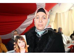 HDP önündeki oturma eylemine 2 aile daha katıldı