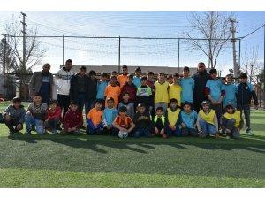 Geleceğin futbolcuları Büyükşehir Belediyesi futbol kurslarında yetişiyor