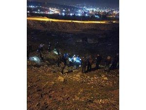 Taklalar atan otomobil uçuruma düştü: 5 yaralı