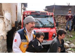 Kahramanmaraş'ta ev yangını; 1'i ağır 4 yaralı