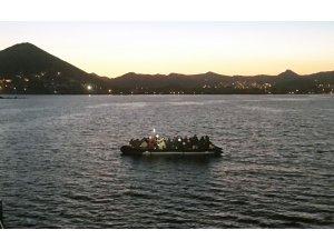 Bodrum'da 48 göçmen su alan tekneden kurtarıldı