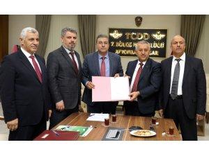 Afyonkarahisar'da AFRAY banliyö hattı proje sözleşmesi imzalandı