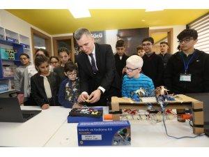 Görme engelli çocuklar Turkcell ile hayallerini kodlayacak