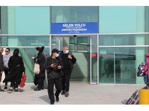 Sarp Sınır Kapısı'nda korona virüsü nedeniyle tedbirler arttırıldı