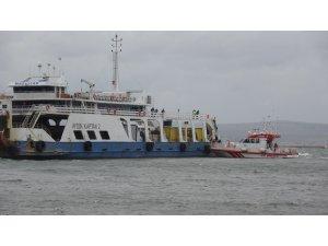 Karaya oturan feribottan 4 kişi tahliye edildi