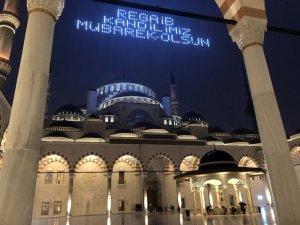 Çamlıca Camii'nde Regaip Kandili coşkusu