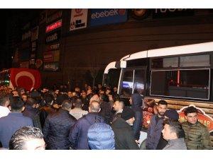 Nevşehir'de vatandaşlar Mehmetçikler için toplandı