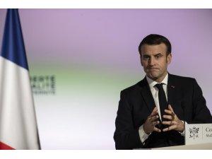 """Macron: """"İdlib'de Esad rejimi ve müttefiklerinin saldırısı insani skandaldır"""""""