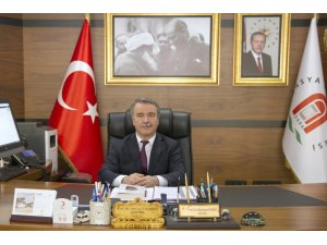 """Rektör Elmacı: """"Türk milletinin başı sağ olsun"""""""