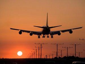 Ulaştırma ve Altyapı Bakanı Turhan: 9 ülkeye uçuşlar durduruldu