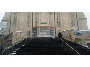 Cemaat ile namaz kılmaya ara verilince Develi camileri boş kaldı