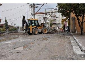 Erenler Belediyesi ekipleri alt yapı ve üst yapı çalışmaları devam ediyor